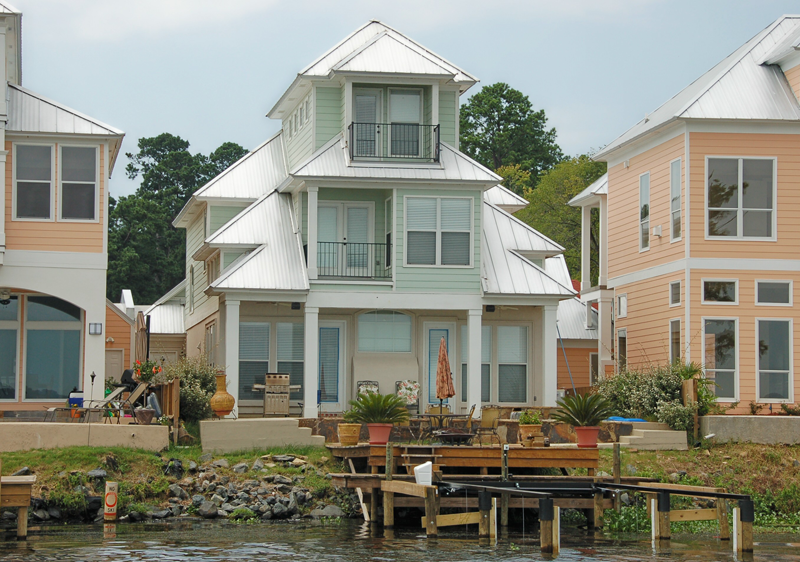 Lake House Residence